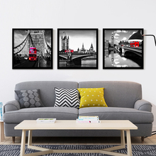 British Style Fresh Bus Printed Picture Retro building White and Black Big Ben Building art Background Canvas Painting Frameless