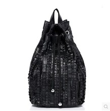 Spliced new Korean version of catching pleat Sheepskin bucket handbag bag shoulder School of old leather casual backpack