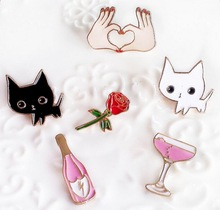 Timlee X127 Cartoon Cat Kitty Cocktail Wine Rose Flower Hand Cute Metal Brooch Pins Button Pins Gift Wholesale