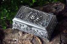 Decoration Retro Russian Silver Brass Handwork Metal jewelry box/ trinket -sellig gift Pewter plated rose design jewelry box(China)