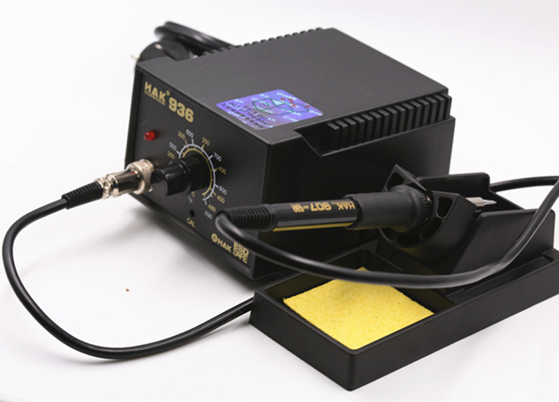 Good quality SMD Equipment Rework Station 936 with copper tips with soldering wire ,soldering wick ,and 4 pcs tweezers<br>