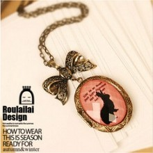 Do the old retro bronze bunny imitation gemstone necklace sweater chain necklace Crystal Box Free shipping  4ND165