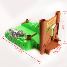 Bend A Path Toy Track Accessory- Alligator Gate and Swamp Track Attachment- Fits track inner width 5.5cm ALL Track Vehicle Set(China)