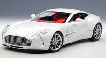 AUTOart 1/18 Scale UK ASTON MARTIN ONE-77 Diecast Metal Car Model Toy New In Box For Collection/Gift/Decoration