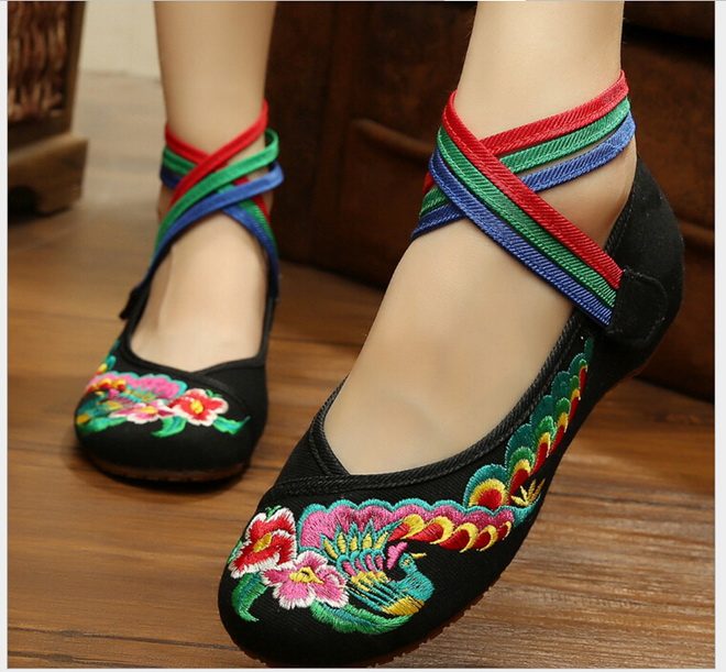 Peacock Embroidery Ankle Strap flat shoes national wind old Beijing Chinese soft bottom cloth shoes<br><br>Aliexpress