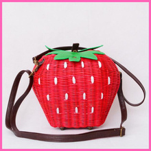 Fruit Bags Fashion Strawberry Hand-made Cane Women Shoulder Bags Beach Rattan Straw Girl Portable Handbag Vintage Casual A002