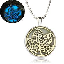 Silver Plated Jewelry with Glow In the dark Maple Leaf Shaped Loket Oil Essential Diffuser Pendant Necklace for Women Party