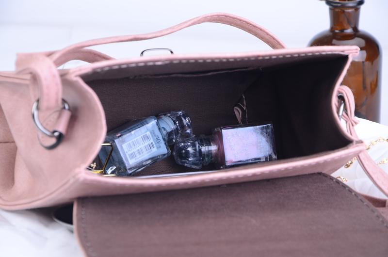 Väikesed crossbody kotid sangaga