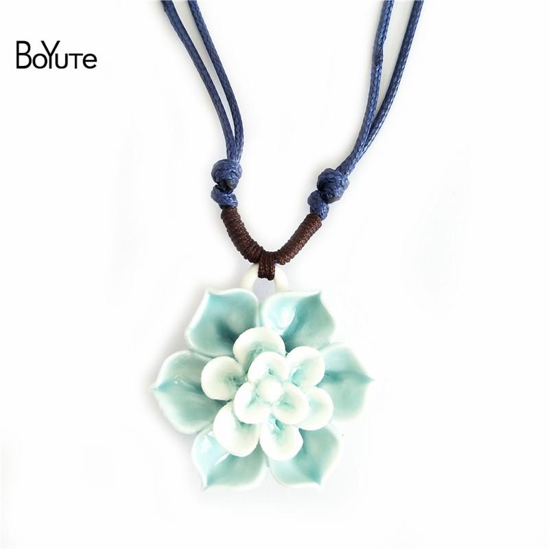 Flower necklace (1)
