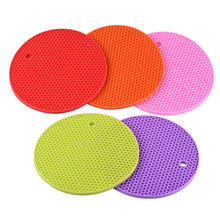 Honeycomb Shape Table Mat Silicone Round Non-Slip Heat Resistant Mat Hung Durable Coaster Cushion Silicone Placemat Kitchen Tool