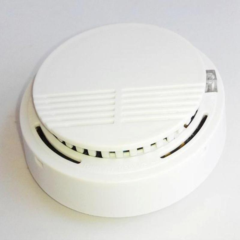 Smoke,Gas Alarming audible-visual alarm, stand alone sensor, with intelligent sensitivity for better protecting indoor security<br><br>Aliexpress