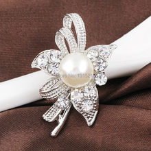 Retail Classic Silver Plated Rhinestone Flower Faux Pearl Brooch Pin Gifts Ladies Girls Shining Brooch Wedding Party Brooch Pin