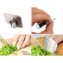 1Pcs High-quality stainless steel protection device Multifunctional vegetable cutters  Finger Protector Guardian 7z-ca058