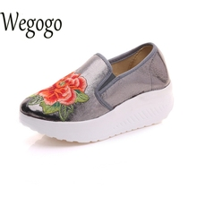Women Shoes Shiny Leather Floral Embroidered Platform Woman Floral Travel Shoes Apato Feminino Plus Size 43(China)