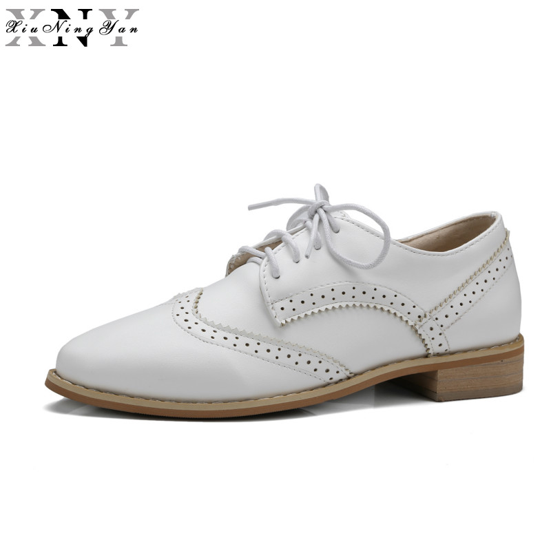 XIUNINGYAN Soft Leather Women Shoes Brogues Lace Up Flat Pointed Toe Patent Leather White Oxfords Women Casual Shoes for Women(China (Mainland))