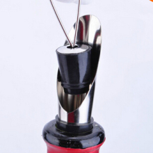 Hot Stainless Steel Pourer Free Flow Dry Red Wine Bottle Guide Funnel with Stoppers Plug Set Liquor Bar tools Silver