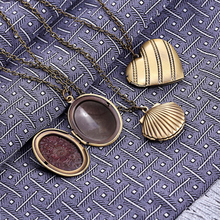 3 Design Heart/Oval/Shell Antique Bronze Photo Locket Pendant Necklaces Vintage Chain Picture Box Necklace For Lovers Jewelry