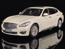 Diecast Car Model Infiniti Q70L 1:18 (White) + SMALL GIFT!!!!!!!!!!(China)