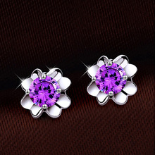 Free Shipping Distribution: New Fashion Earrings Queen Beautiful Shiny Clover Flower Purple Crystal Stud Earrings For Women