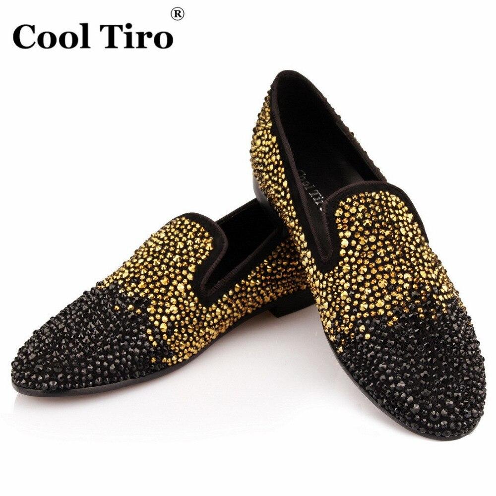 Brand New Arrivée Hommes Chaussures en daim avec de l'or et noir Rivet Party Mode et Banquet Hommes Mocassins Euro Style Smoking 7GzVy1KF