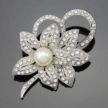 High Quality Crystal Rhinestone Flower Brooch Small Collar Pin Brooches  Peal jewelry Wholesale  Decoration