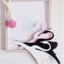 OnnPnnQ 3PC  Kids Wooden Swan Room Hanger Chic Baby Clothing Storage Hangers Photography Props  Casual Decoration