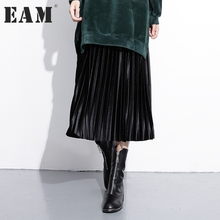 [EAM] 2017 new autumn winter high waist solid color black green velour pleated half-body skirt women fashion tide JC96101(China)