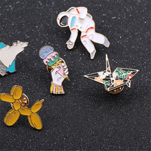 2017 free shipping fashion women New Jewelry  Thousands of paper cranes Polar bear balloon dog brooch Wholesale brooches Collare