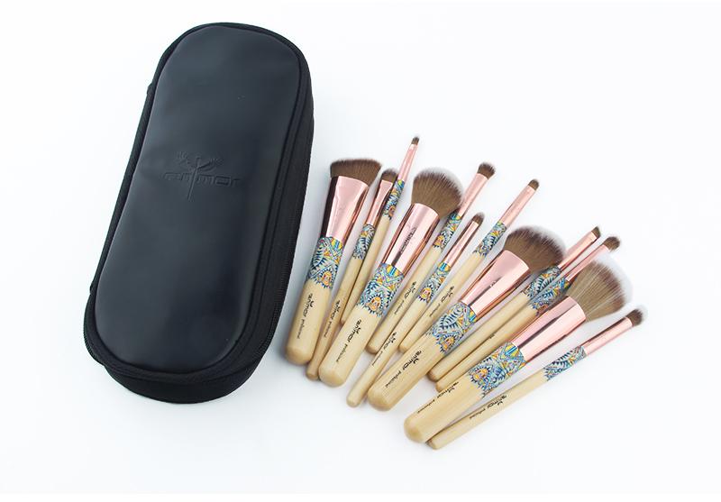 Nouveau Maquillage Brosses 12 pcs Ensemble En Bambou Make Up Brosse Souple Synthétique Collection Kit avec Poudre Contour Fard À Paupières Sourcils Brosses 11