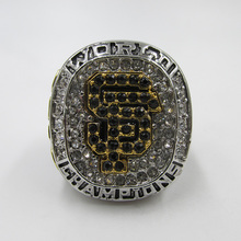In 2012 San Francisco giants major league baseball major league championship ring, wooden box