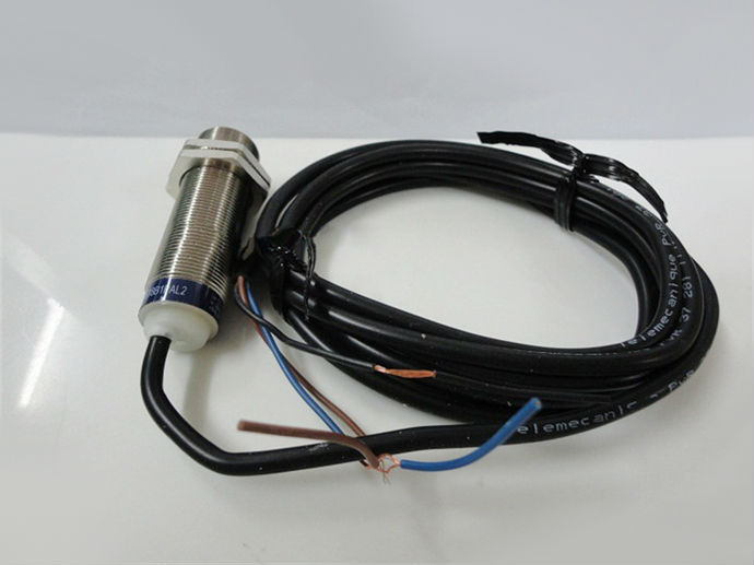 Limit Switch XS218ALNAL2 XS2-18ALNAL2<br>