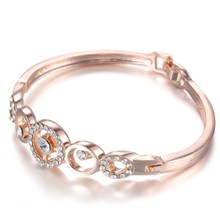 New Luxury Womens Jewelry Rose gold color Wristband Austria Crystal Rhinestone Summer Charms Bangles&Bracelet Hollow Out Bijoux