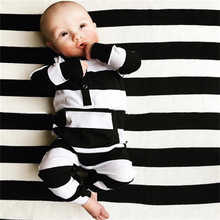 2017 New Fashion Newborn Toddler Baby Boy Girl Clothes Long sleeve Black and White Striped Jumpsuit Infant Clothing Set