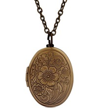 Vintage Antique Bronze Floral Patterns Carved Oval Locket Picture Memento Necklace Mother's Day Gift Put Photos Box