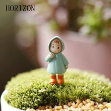 1PCS Cute Mini Figurines Miniature Girl Mei Resin Crafts Ornament Fairy Garden Gnomes Moss Terrariums Home Decorations