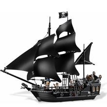 The Black Pearl Ship 804Pcs Bricks Set Sale Pirates of the Caribbean Building Blocks Toys For Children Compatible with Lepin