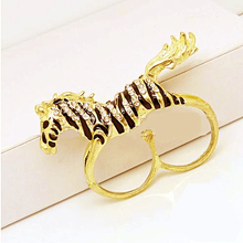 RED SNAKE Animal Jewelry Golden Zebra Horse Birhstone Clear Crystal Rings With Double Loop