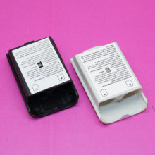 Black & White Battery Pack Cover Shell Shield Case Kit for XBOX360 / Xbox 360 Wireless Controller Replacement parts.