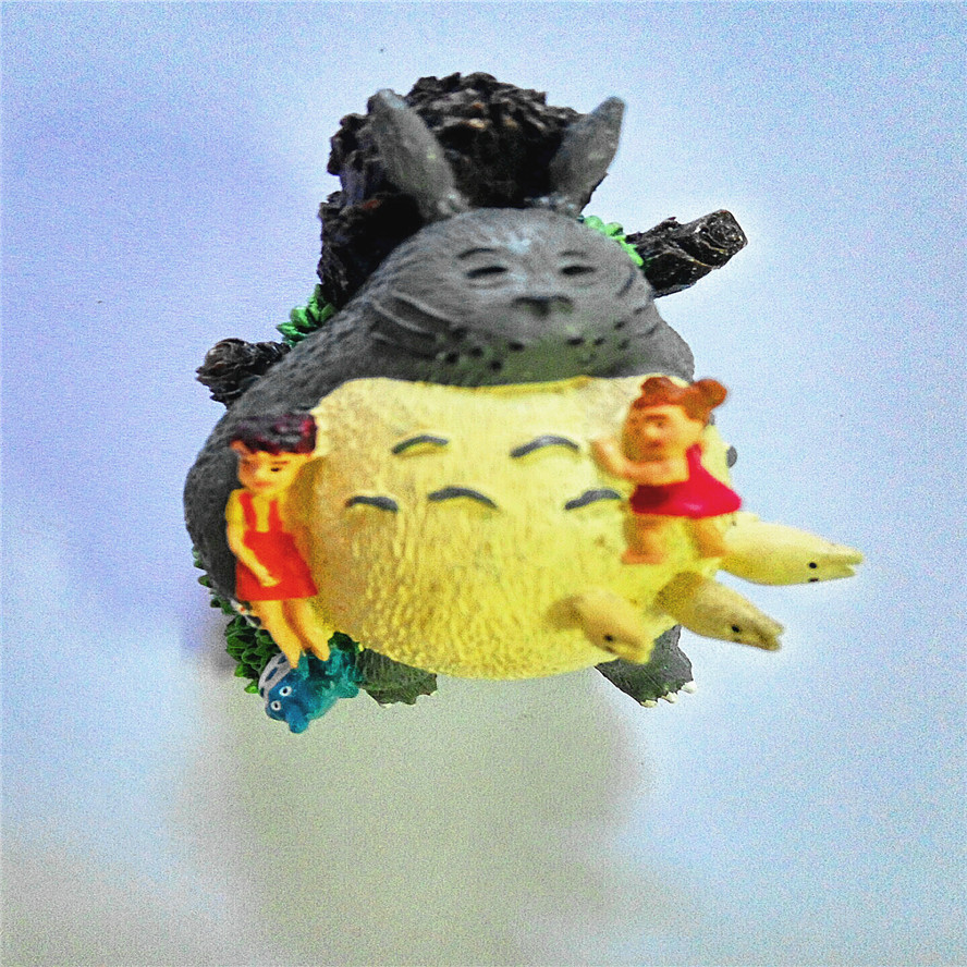 Cute My Neighbor Totoro Sleeping Girl Totoro Hayao Miyazaki Classic Resin Hand Ornaments Upscale Gift Collection<br>
