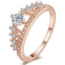 TUKER Engagement Party Ring New Fashion Crystal Rhinestone Crown Rings For Women Cute Elegant Luxury Sliver Plated Party