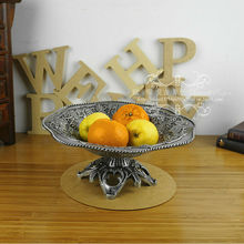 28cm round classic retro metal fruit bowl serving tray plate fruit basket on stand bandeja espelho embossed antique tin SG066(China)