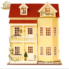 XXXG DIY, a large wooden hut fight house Handmade model villa three years birthday fairy tale