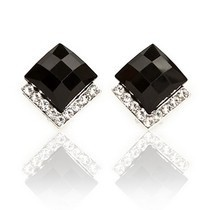 Free Shipping $10 (mix order) New Fashion Vintage Black Stones Crystals Stud Earrings Black Jewelry E086(China)