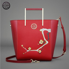 free delivery Split Leather women bag 2017 new Chinese style messenger bag Fashion embroidery beads handbag Plum bucket bag(China)
