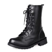 Spring and autumn short boots Martin boots female British wind with black lace short boots women 's motorcycle boots