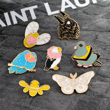Cartoon Animal pins Bee Eagle Pigeons Parrot Butterfly Brooch for boys girls Jacket Cloth Backpack Collar Lapel Pin Badge Gift