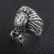 New Movie The Predator Ring Alien Predator Mask Ancient Silver Ring Man Gift Fashion Movie Jewelry(China)