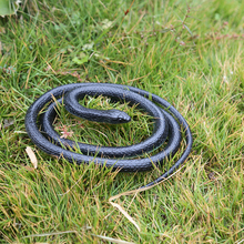 New Halloween Realistic Soft Rubber Toy Snake Safari Garden Props Joke Prank Gift About 130cm Novelty and Gag Playing Jokes Toys