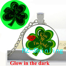 Glow in The Dark Kiss Me I'm Irish Necklace Three Leaf Clover Pendant Glowing Jewelry Glass Dome Pendant Necklace
