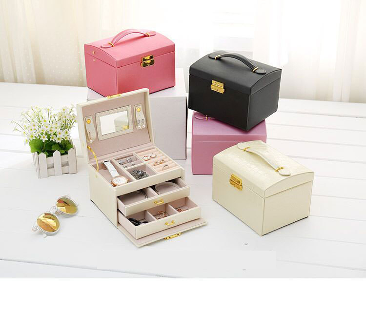 PU leather Makeup Carrying Case jewelry box Three-tier jewelry storage box <br>